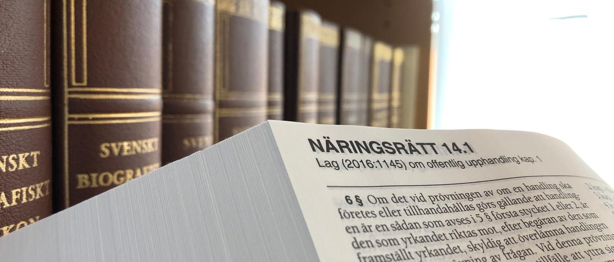 Lagboken uppslagen till Lagen om offentlig upphandling